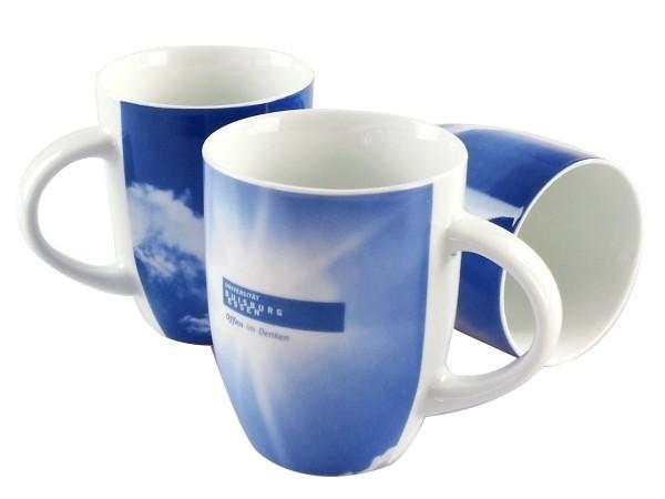 Tasse mit Wolkenmotiv